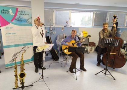 Concierto de Jazz Toto Fabris Trio para pacientes oncologicos.